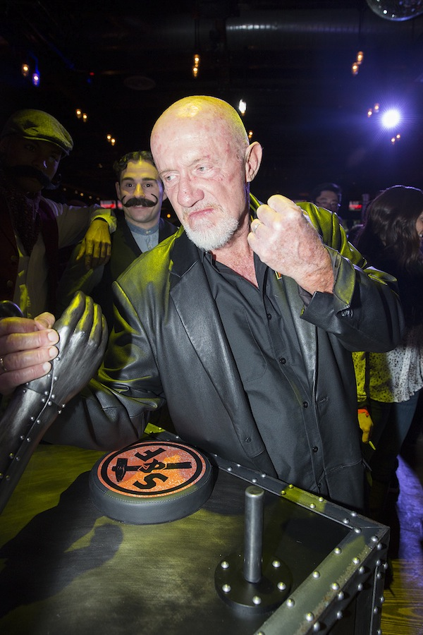 jonathan banks smith and forge breaking bad